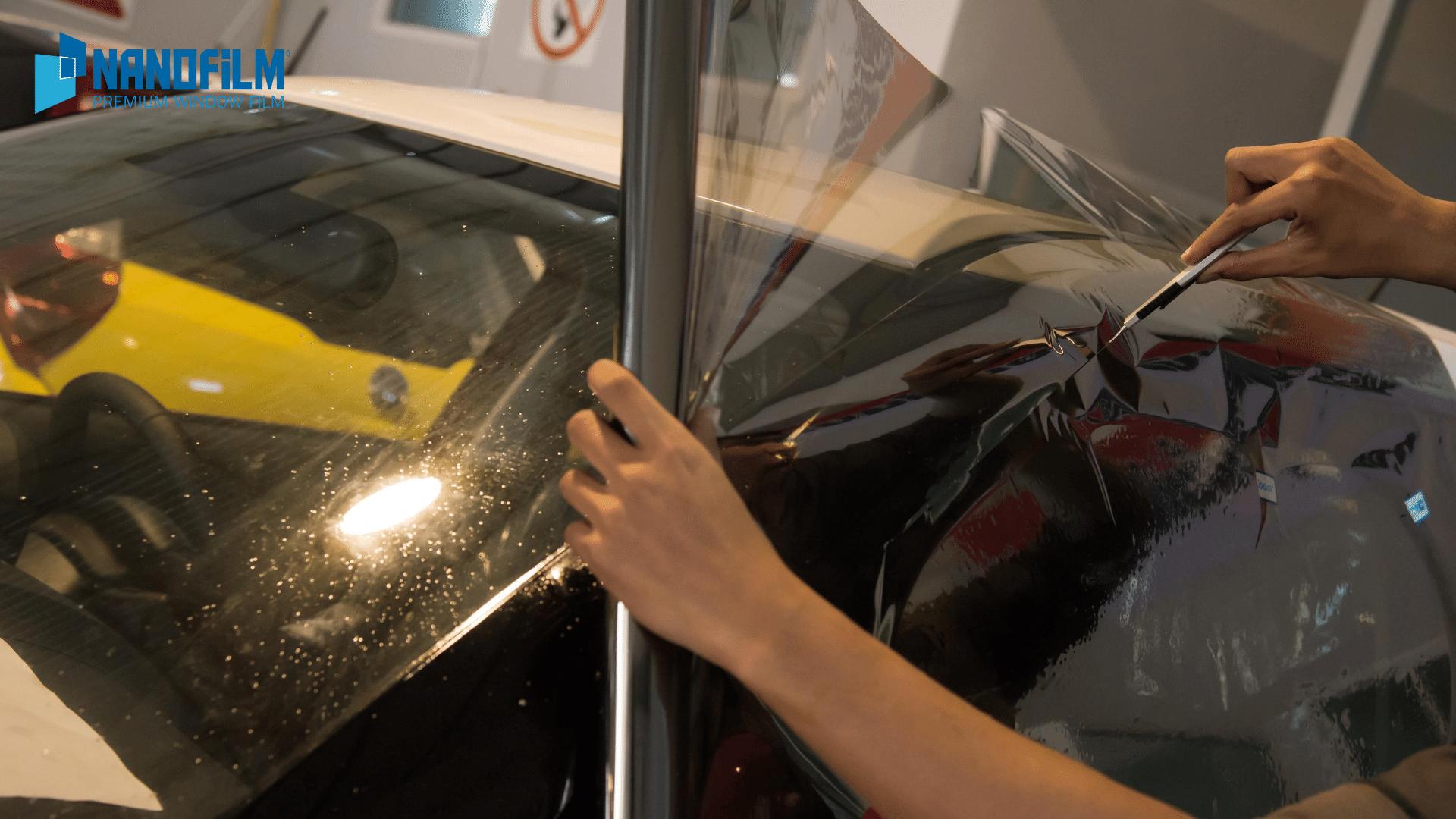 dán phim cách nhiệt xe ô tô 4chỗ