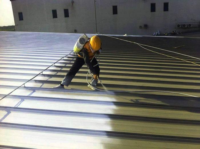 chống nóng bằng mái tôn